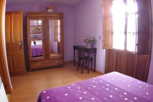 Habitación Violeta en el hotel rural la veleta